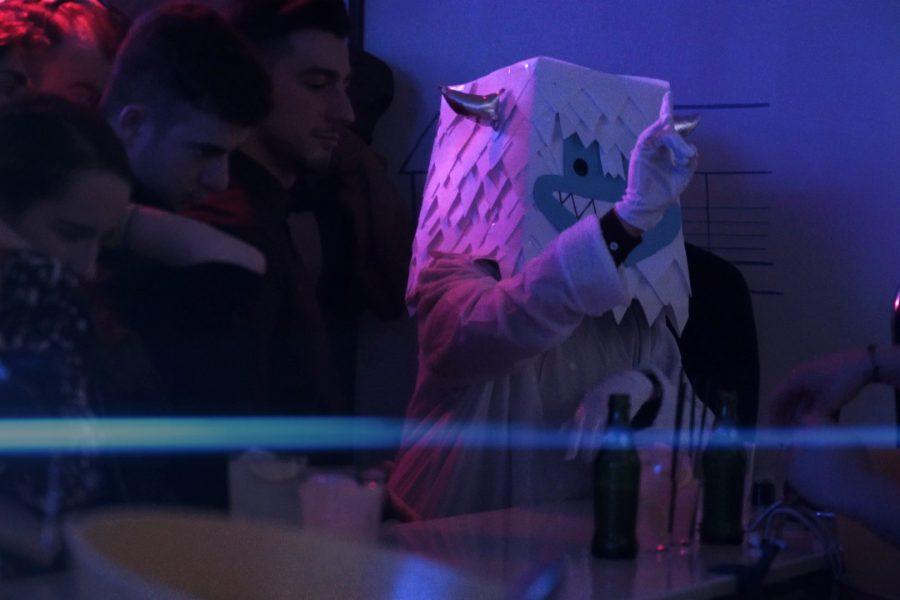The Yeti come to pub